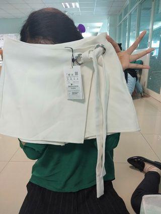 Rok celana pull & bear