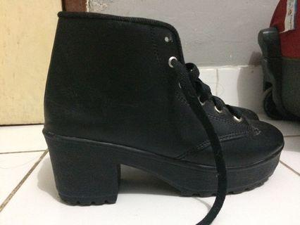 Boots heels women