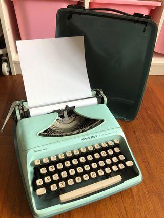 🚚 Remington streamliner typewriter