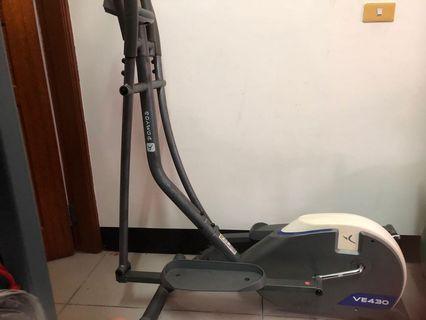 健身橢圓機