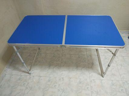 Foldable table - aluminum