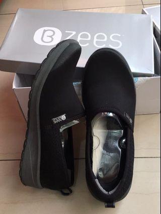 Sepatu wanita bzees