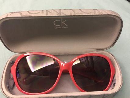 🚚 CK粉紅太陽墨鏡