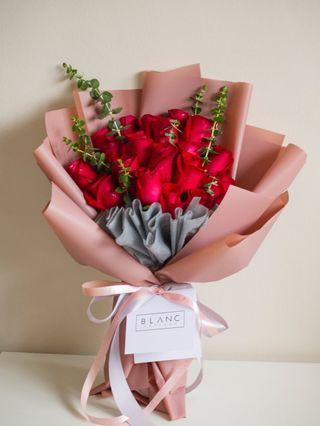 🚚 Red Roses Bouquet | 🌹 GARNET - 18 Roses [ stay young and beautiful ] 愿你青春永驻,美丽永久