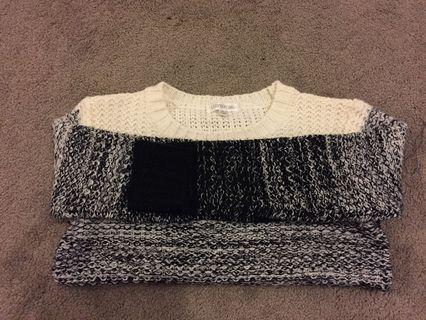 Size small winter jumper excellent condition