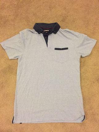 Size M Connor collared t shirt. Excellent condition