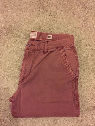 Size 32 maroon chino pants excellent condition