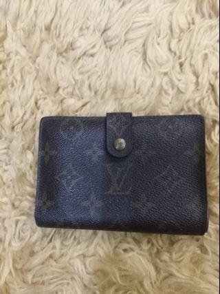 Lv ( wallet and tote bag )