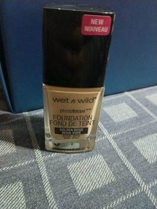 Wet n wild photofocus foundation golden beige