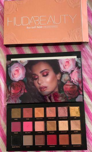 Huda Beauty rose gold