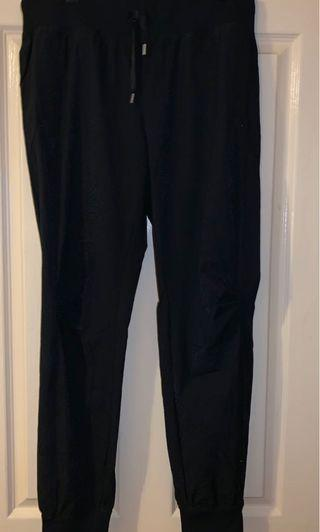 Lorna Jane - M pants