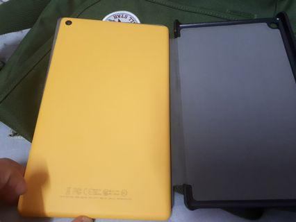 Kindle Fire HD 8 (want to trade with Kindle paperwhite)