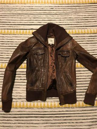 🚚 Brown Leather Jacket