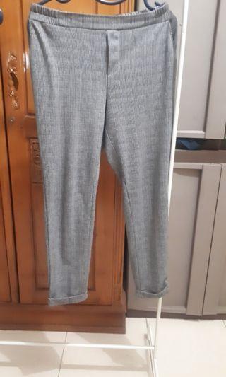 Black Pants Graphis