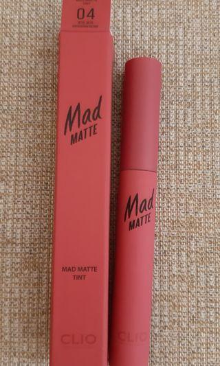 🚚 Clio Mad Matte 霧面唇釉 色號04 乾燥玫瑰色