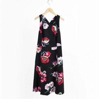 Ann Taylor floral dress with bow at back