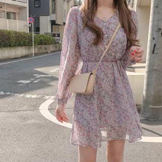 🌸春夏甜美碎花粉紫色雪紡連衣裙 小洋裝S/M/L 復古V領長袖短裙 收腰顯瘦款 夢