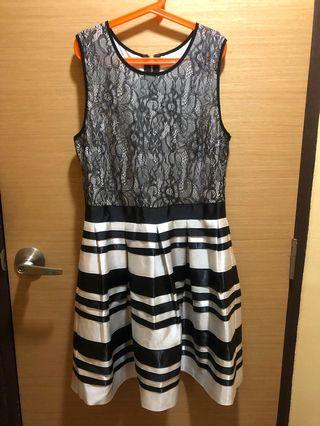 🚚 Bysi Black And White Dress in size M
