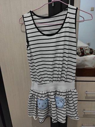 Dress casual pendek garis
