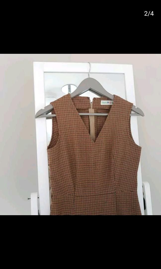brown patterned dress