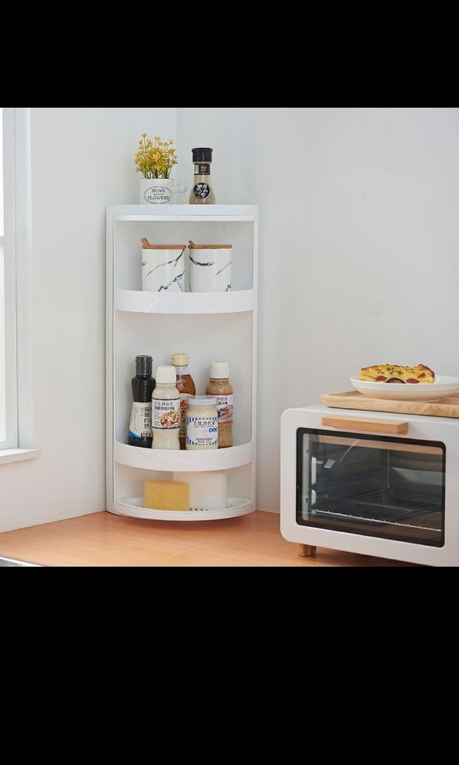 Rotating plastic tier shelf