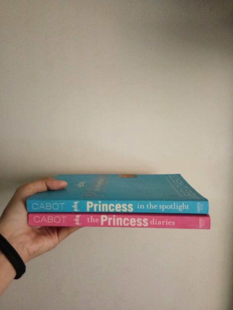 SET The princess diaries and the princess in the spotlight book books meg cabot