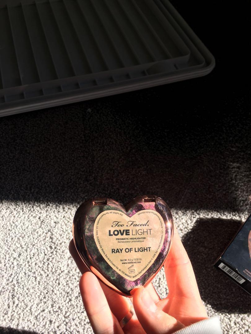 Too Faced Love Light Prismatic Highlighter - 'Ray of Light'
