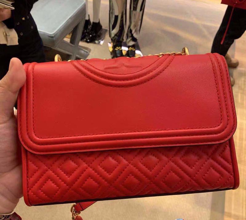 d0619ab62e5 Tory Burch Fleming convertible shoulder bag red small, Luxury, Bags ...