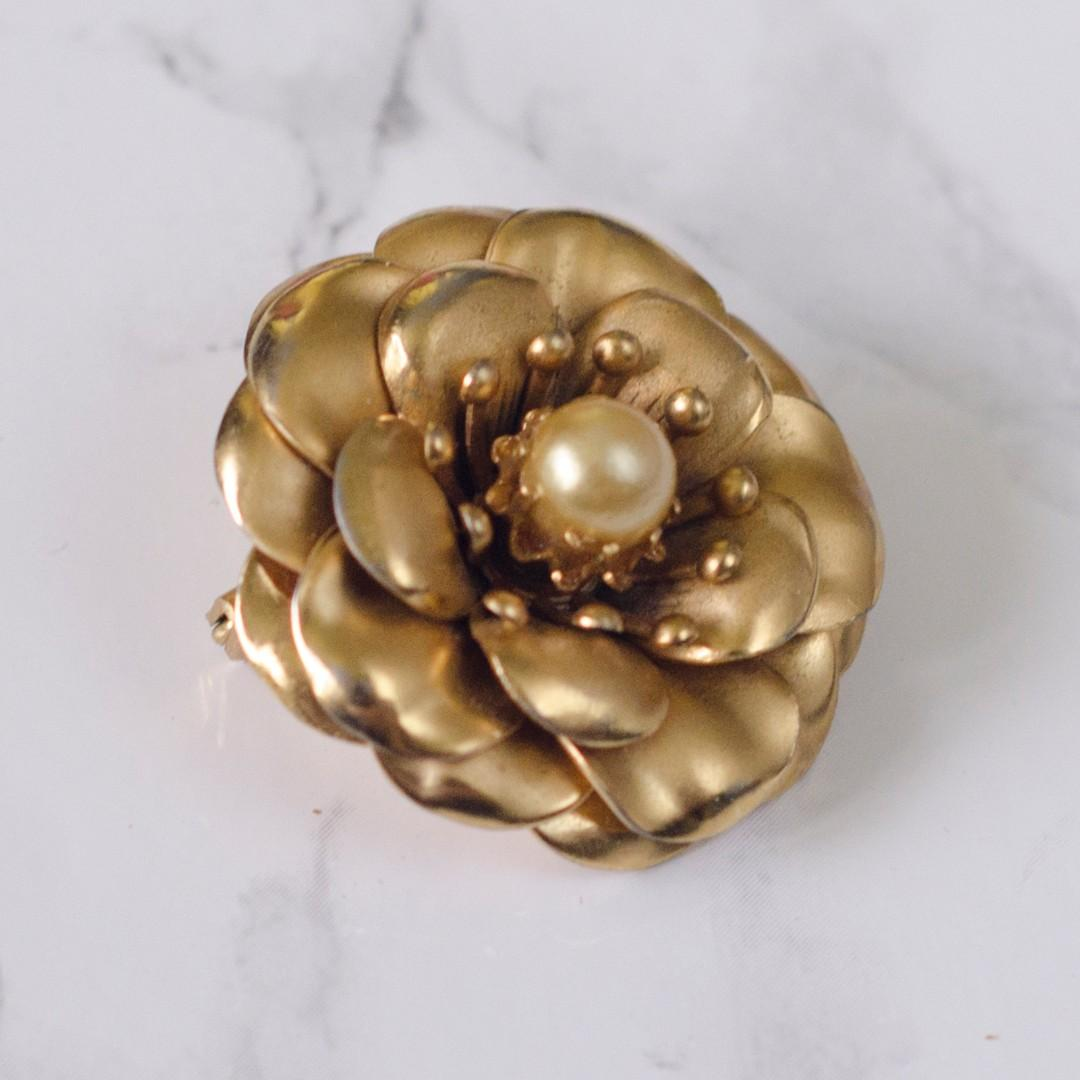 Vintage Coro Gold Rose pin brooch with pearl center