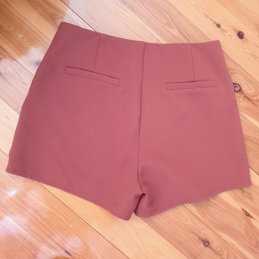 Women's size 10 'ALIVE GIRL' Gorgeous burnt sienna skorts - AS NEW