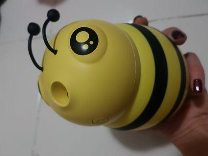 Honeybee humidifier