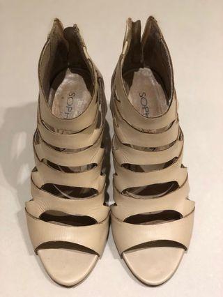 Sophie& Sam淺色鏤空踝靴