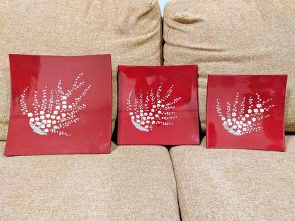 🚚 Set of 3 designer beautiful red plates