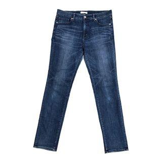 Uniqlo Slim Fit Tapered Straight in Blue Wash