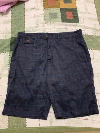 🚚 深藍格子短褲