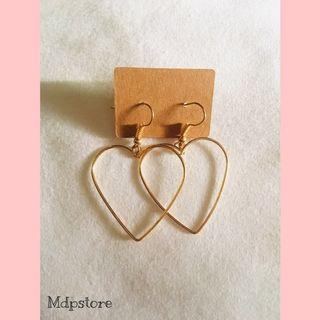 Anting gantung love
