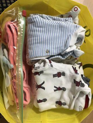 🚚 Baby Hand-me-downs from my boy. Age 0 - ~18mths. Give away @$0