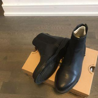 [Size 5] Dr Martens Black Leather Chelsea Boots ZILLOW 2019 New Style