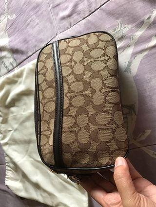 Authentic coach bag, not using it anymore, flawless, very nice in actual