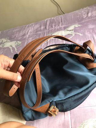 Authentic Michael kors backpack, hindi nagagamit, benta na lang para maging pera😊