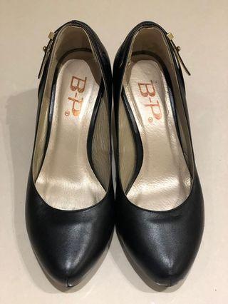 黑色前墊高細跟高跟鞋/台灣製好鞋