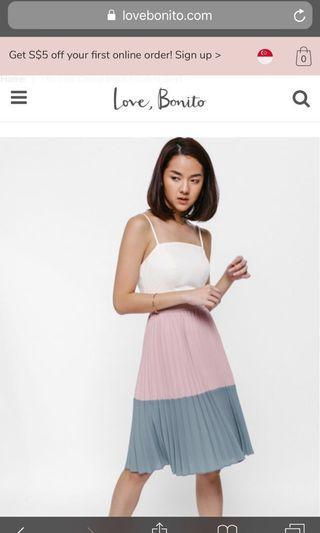 🚚 Lovebonito Melanya Colourblock Pleated Skirt