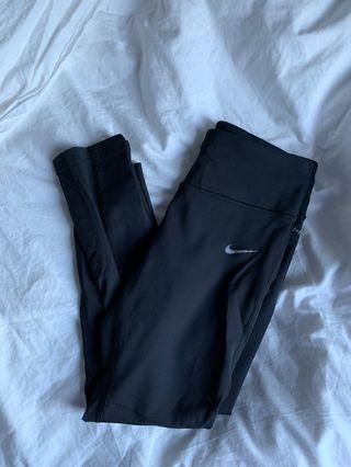 NIKE Crop Leggings Size: XS