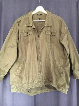🚚 Lovfee x Disney 軍綠色水洗雙口袋落肩復古中磅工裝外套