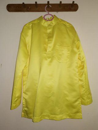 Baju Melayu kuning diraja