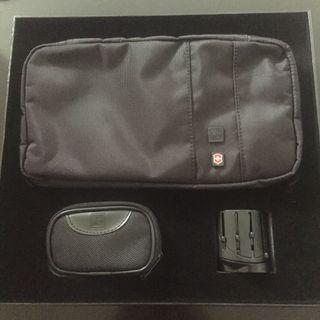 (全新)瑞士軍刀牌VICTORINOX旅行套裝Zip round Travel Kit