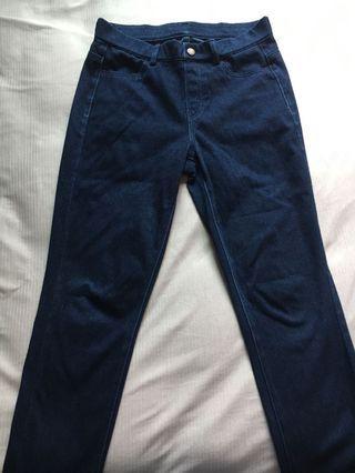 🚚 Uniqlo 女裝特級彈性牛仔緊身褲