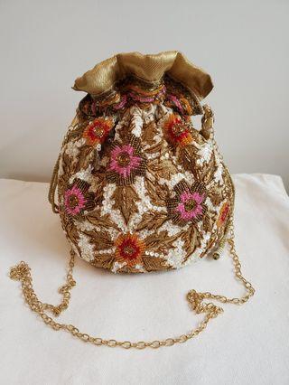 民族珠片水桶包