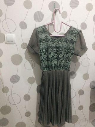 Dress (semi brukat)