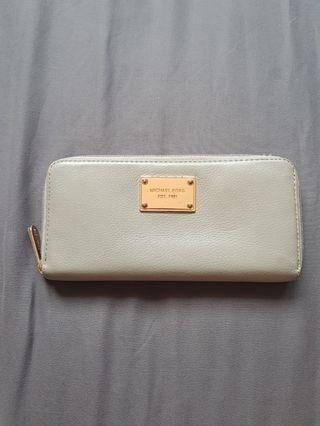 Michael Kors Leather Wallet in Grey